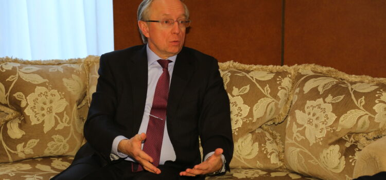 ガルージン大使インタビュー:目指すものは「最後の銃声が響いた翌朝の平和条約ではない」